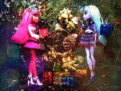 (Linayum) Tags: christmas merrychristmas christmastree howleenwolf howleen twyla mh monster monsterhigh mattel doll dolls muñecas toys juguetes bestfriends linayum