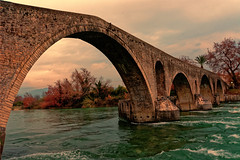 Arta's stone bridge (George Fournaris) Tags: stonebridgearta γεφύριάρτασ γεφύρι bridge