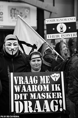 Vraag me waarom ik dit masker draag (Red Cathedral uses albums) Tags: sonyalpha a77markii a77 mkii eventcoverage alpha sony colorrun sonyslta77ii slt evf translucentmirrortechnology redcathedral streetphotography belgium alittlebitofcommonsenseisagoodthing activism protest anonymous occupy mask riot opawakening gent guyfawkes vforvendetta resist blackandwhite zwartwit noiretblanc