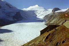Pasterze Glacier (Jurek.P) Tags: alps austria lodowiec pasterze glacier nature mountains grosglockner skan scan 35mm slide prakticasupertl 1977 jurekp europe