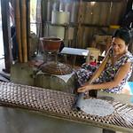Herstellung von Reispapier im Mekong Delta