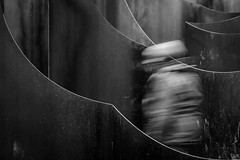 Geest in het Labyrint (Kathleen Van Hamme) Tags: blackwhite movement zwartwit beweging genk labyrint cmine gijsvanvaerenbergh