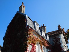 House in France (JPC24M) Tags: roof chimney maison toit tuile cheminée chienassis