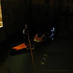 _C0A0495REW Painting Venice, Jon Perry - Enlightenshade, 5-10-15 zao (Jon Perry - Enlightenshade) Tags: venice night painting gondola gondolaride 51015 jonperry gondolaatnight enlightenshade arranginglightcom 20151005 gondolanightride