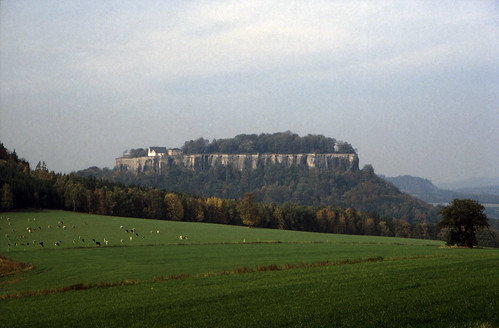 "Elbsandsteingebirge (155) Königstein • <a style=""font-size:0.8em;"" href=""http://www.flickr.com/photos/69570948@N04/22335834990/"" target=""_blank"">View on Flickr</a>"