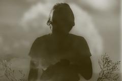 09/10/2015 (andré betron) Tags: old bridge boy portrait sky naturaleza plant flores flower blancoynegro nature monochrome night clouds vintage dark kid flora nikon plantas noir shine sad branches blues shade noise monocromatico p510 redskinbill
