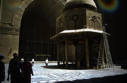 """Ägypten 1983 (10) Kairo: Sultan-Hasan-Moschee • <a style=""""font-size:0.8em;"""" href=""""http://www.flickr.com/photos/69570948@N04/22932877812/"""" target=""""_blank"""">Auf Flickr ansehen</a>"""