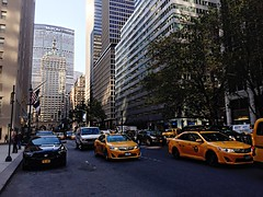 Park Avenue Traffic (edgarzunigajr) Tags: park newyorkcity travel architecture traffic yellowcab metlife taxicabs parkavenue midtownmanhattan