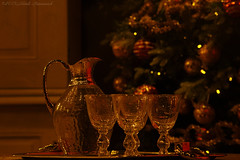 Flamant (Natali Antonovich) Tags: flamant tradition lifestyle winter sweetbrussels brussels sablon dezavel christmasholidays christmas christmastoy christmastree ewer stemware festival cosiness comfort vigorousitems