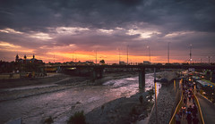 Panorámico (Luis Riveraw) Tags: landscape clouds cloudscapes paisaje horadorada horaazul orange pano panorámico lima sun sunset summer contraste canon600d canon18200mm centrodelima color nature naturaleza sky ocaso canonefs18200mmf3556is canon eos rebel t3i canoneosrebelt3i