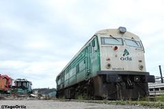 Las viejas rockeras nunca mueren... (yagoortiz) Tags: adif 321 2151 321051 alco verde galicia coruña tren maquina