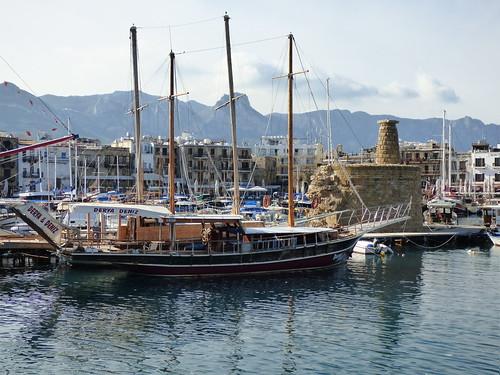 Girne - harbour (5)
