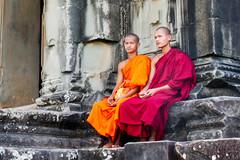 buddhist monks (lautxi) Tags: angkor angkorwat buddhist monks cambodia camboya asia