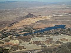 Lake Las Vegas (kenjet) Tags: city vegas lake view desert air nevada aerialview aerial resort windowview fromthewindow henderson fromtheair lakelasvegas
