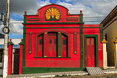 Red and green (Hugo Cesar Gusmao) Tags: red brazil house verde green southamerica arquitetura brasil casa arquitectura vermelho achitecture paraba amricadosul vivienda bananeiras suramrica
