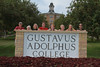 IMG_0218.jpg (Gustavus Adolphus College) Tags: old family sign student day main move oldmain movein firstyear moveinday 201204 20150904