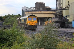 Thoresby Colliery (GBRf 66702) Tags: camera uk england canon wagon eos diesel loco east 1600 hh locomotive fl coal dslr heavy freight nottinghamshire wagons loaded haul midlands haa colliery notts thoresby edwinstowe eastmidlands freightliner class66 flhh thelastone 100d heavyhaul cottampowerstation 66617 freightlinerheavyhaul thoresbycolliery 6b56 6b561600thoresbycollierycottampowerstation