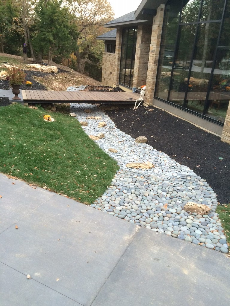 Decorative Gravel – (Click on photo to enlarge and see pricing) |