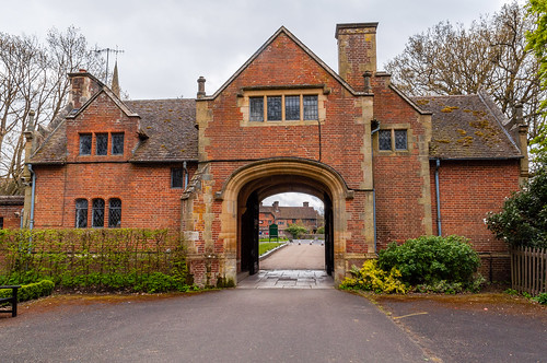 Gateway to Hever Castle