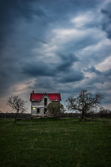 Night falling over Abandoned House (angie_1964) Tags: sunset house ontario fall abandoned night clouds explore nikond800e