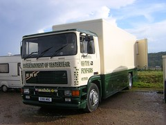 G981 MNG (quicksilver coaches) Tags: northampton fairground erf funfair botton e10 sixfields eseries showmans g981mng