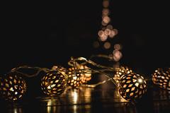 post x-mas time    l   2017 (weddelbrooklyn) Tags: licht schatten lichterkette weihnachten weihnachtszeit zuhause gemütlich gold golden unschärfe light schadows lightchain christmas xmas christmastime home cozy blur fuzzy