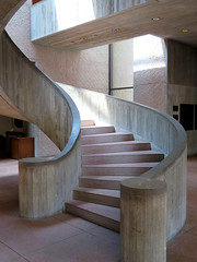 Central Staircase, Everson Museum of Art, Syracuse, New York (duaneschermerhorn) Tags: architecture architect building structure museum gallery contemporaryarchitecture modernarchitecture impei pei steps stairs stairway staircase circular spiral circularstaircase spiralstaircase design