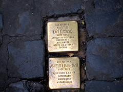 In memoriam... (PGARCIA.) Tags: holocausto roma italia auschwitz placa