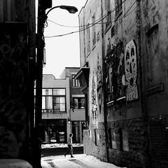 Les murs ont la parole... (woltarise) Tags: montréal plateau montroyalest avenue ruelle art tags streetwise