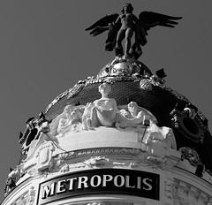 METROPOLIS (Testigo Indirecto) Tags: metropolis urban city angel esculture escultura building icon icono dome cúpula blackandwhite blancoynegro
