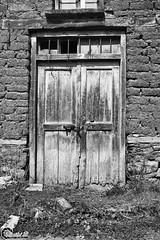 Koresteia #17 - Kranionas #13 (CyberDEL1) Tags: macedoniagreece makedonia timeless macedonian μακεδονια greece hellas ελλάδα κορέστεια κρανιώνασ koresteia kranionas decacy abandoned ruins samsungnx1 samsungnx1650228s