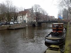 Brouwersgracht (Quetzalcoatl002) Tags: amsterdam picturesque oldcity canal boats bridge brouwersgracht