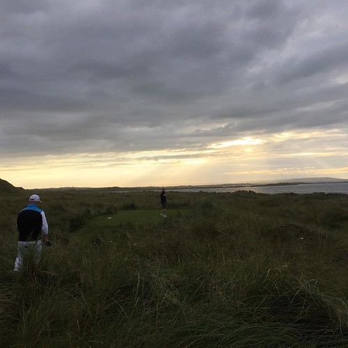 As the light faded - we still hadn't completed our round of golf #smlinks2015