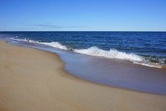 (elalex2009) Tags: ocean sky beach water sand surf massachusetts newengland atlanticocean plumisland