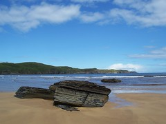 Strathy Bay, Strathy, Sutherland, July  2015 (allanmaciver) Tags: sea sky beach weather rock clouds bay coast scotland sand waves top watch july enjoy wait sutherland volcanic admire strathy allanmaciver