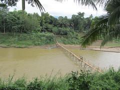 """Luang Prabang: la rivière Nam Khan <a style=""""margin-left:10px; font-size:0.8em;"""" href=""""http://www.flickr.com/photos/127723101@N04/23760872682/"""" target=""""_blank"""">@flickr</a>"""