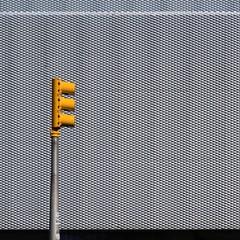 Kazuyo Sejima & Ryue Nishizawa - SANAA. New museum #18 (Ximo Michavila) Tags: kazuyosejima ryuenishizawa sanaa new museum architecture ximomichavila newyork nyc archidose archiref archdaily usa minimal metal pattern trafficlight urban square 11