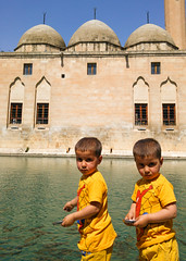 Twins in Urfa (mehmetyukselphotography) Tags: portrait portre urfa turkey turkiye colorful colors travel türkiye nature architecture anatolia people balıklıgöl şanlıurfa gezi seyahat trip amazing awesome twins lake water abraham ibrahim göl kebap ciğer photo photography