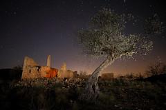 Casa de Santos (Antonio Martínez Tomás) Tags: fotografíanocturna nocturna noche etnografía casa olivo oleaeuropaea