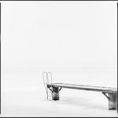 .\\_. (OverdeaR [donkey's talking monkey's nodding]) Tags: golubac 15035 zenzanon bronica sqa bronicasqa efke 25 d76 homedev winter frozen danube river beach film 120 square 6x6 scanned medium format fog misty