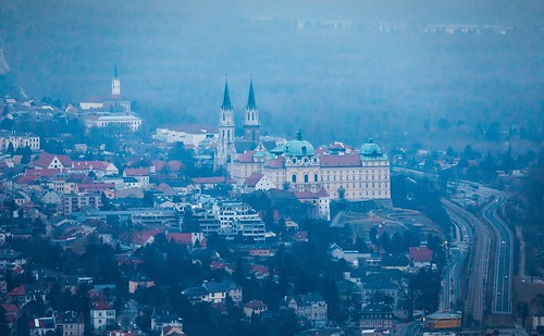 Stift Klosterneuburg, Niederösterreich- Lower Austria (as seen from the Leopoldsberg in Vienna)