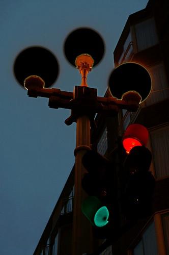 Tres luces negros