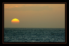 El rey sol (Payuta Louro) Tags: trip travel sunset sea vacation sky verde sol mar photo cabo puesta urko louro caboverde