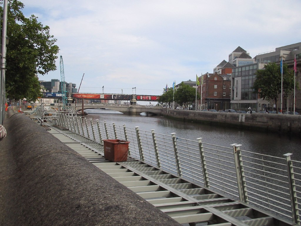 LIFFEY BOARDWALK