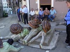 33 barraskiloakmaldan (fakafaka) Tags: snail caracol elgeta jaiak barraskiloa jaixak fakafaka jaixak2006 elgetakojaixak2006barraskiloak
