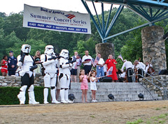 Storm Troopers Invade July 4th Celebrations (Maurice Ribble) Tags: stormtroopers july4th worcester invaded july4us