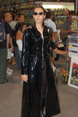 Comic Con 2006: Matrix (earthdog) Tags: vacation 15fav matrix movie costume sandiego cosplay 2006 trinity comiccon moviecostume unknownperson summervacation06 comiccon06 comicbookcon cosplaygirl comiccongirl needscamera needslens