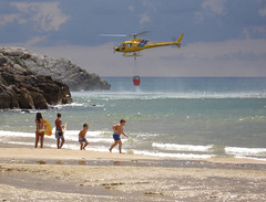 Putting the fire out (2) (Luca Terracciano) Tags: sea italy alarm landscape geotagged fire firealarm mediterranean mediterraneo italia ranger horizon helicopter latina helicopters rangers mediterraneansea lazio tyrrheniansea forester sperlonga forestranger ΜεσόγειοςΘάλασσα tirreno tyrrhene geolat41256130 geolon13433538
