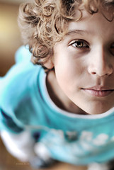 tatu (gogoboy) Tags: boy portrait eye smile arthur kid perfect child bokeh retrato criana d200 menino 50mmf14 dggb abigfave childrenbestphotos