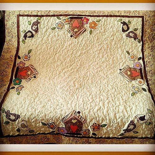 ...Toalha de mesa. .. #toalhademesa #feitocomcarinho #patchwork #bysoniaferraz
